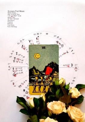 کارت تاروت ماه کامل نشان عقرب